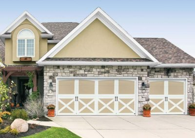 Chariot Court Tanglewood Closed Arch Design with Versailles Handles, in Wicker Tan/White